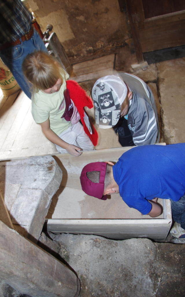 Atelier farine au moulin du Janicot