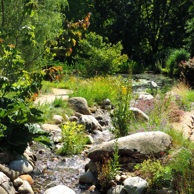 Jardins Deau Cascades