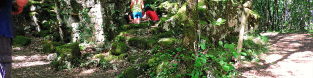Ruine Sentier Des Fontaines